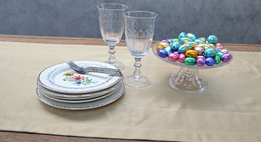 Glitter and Glamour at Easter dinner